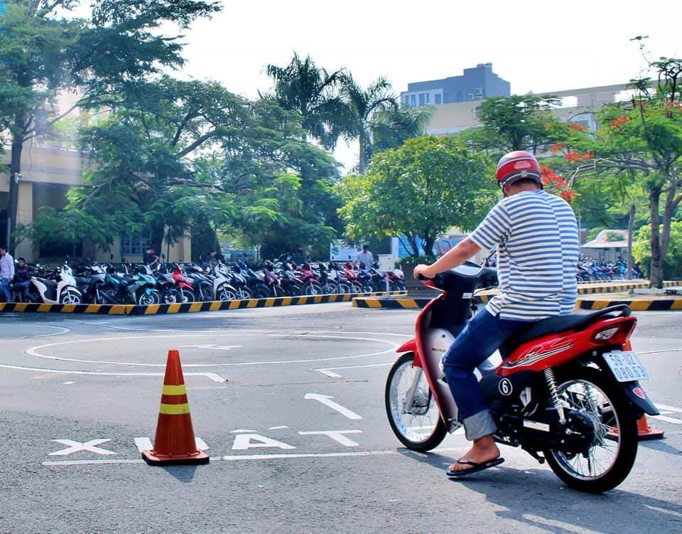 Hồ sơ đăng ký thi giấy phép lái xe máy A1 cho người nước ngoài tại Việt Nam